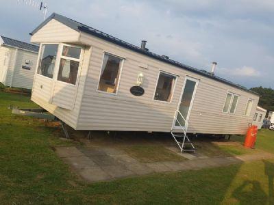 8 berth caravan to rent Cayton Bay Yorkshire