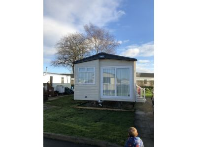 Caravan That Sleeps 6 People, Flamingo Land