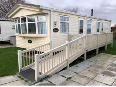 Hire 6 Berth Caravan at Sundowner Holiday Park, East England