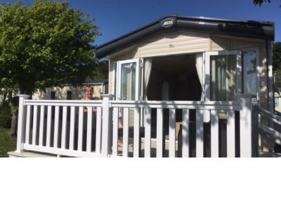 6 Berth Caravan to hire at Shorefields, Southern